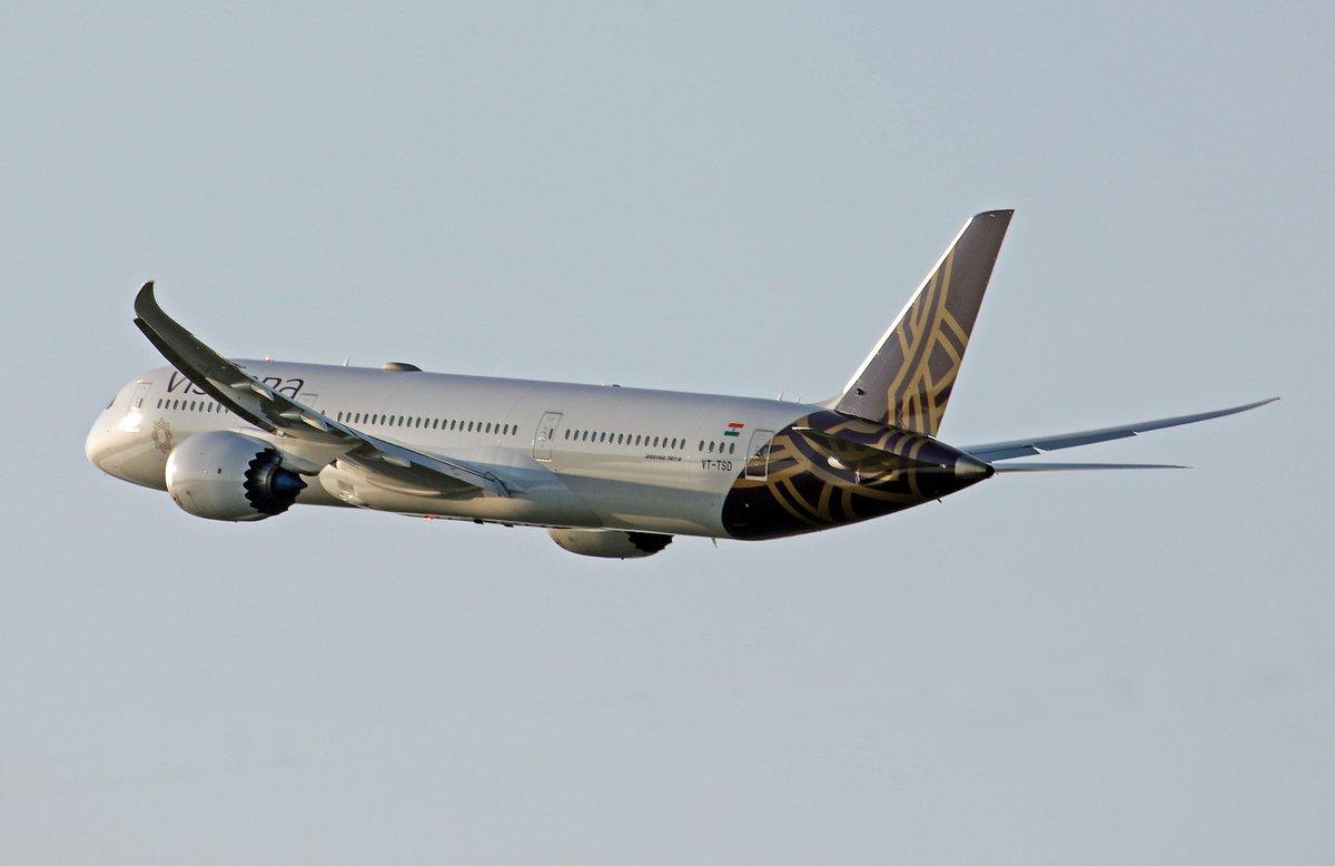 One of @HeathrowAirport's latest recruits - @airvistara #B787 https://t.co/MYgGHgPCPN