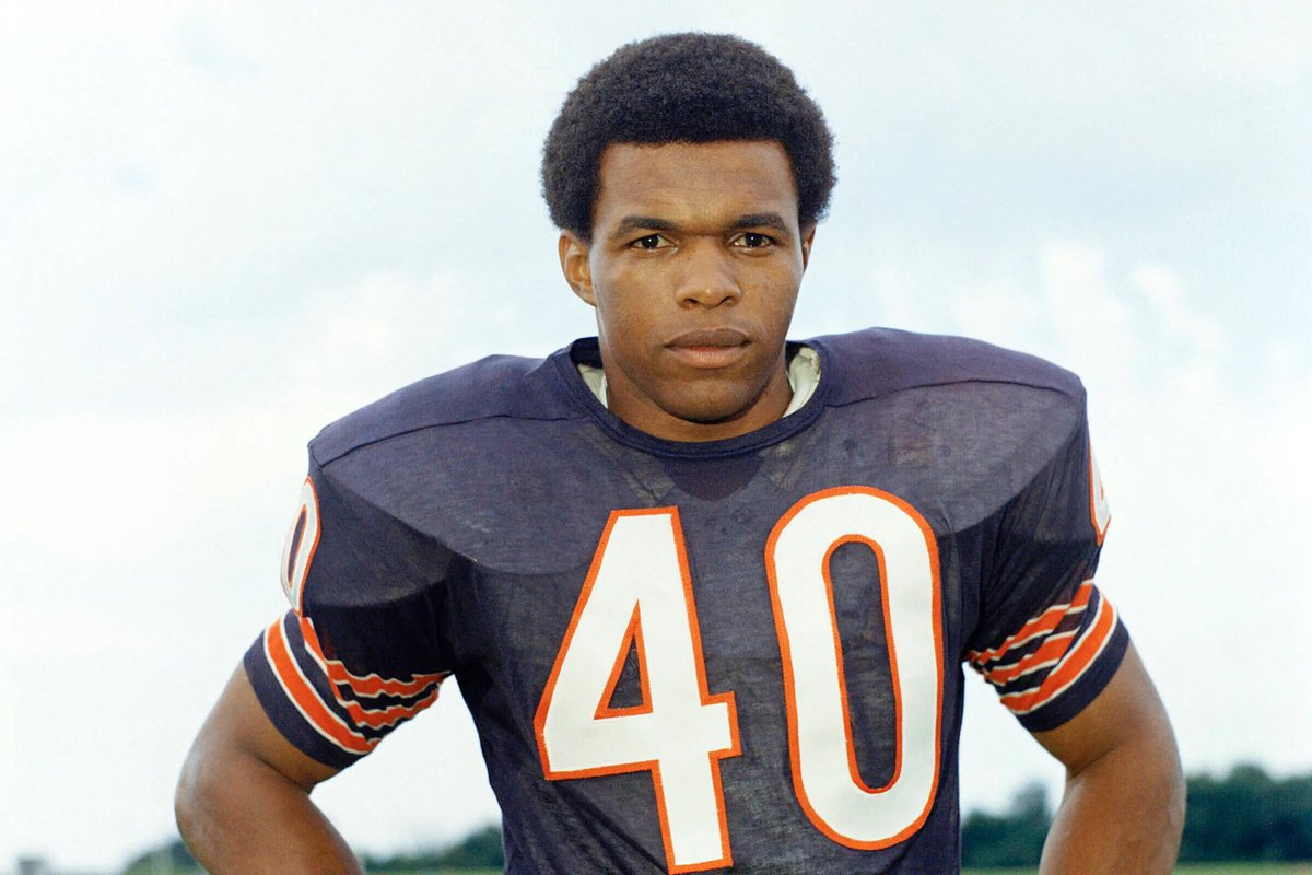 RIP #GayleSayers.  A great football player for the @ChicagoBears and even better man!  #BriansSong https://t.co/LSVuIf1dva