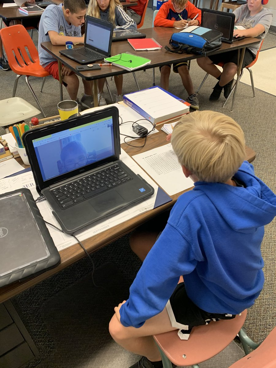 Student is learning from home today, no problem! Taking part in a group activity with Google Meet! 🙌@Andy_airwin #HLP #Wolves https://t.co/MzwoU1KiYM