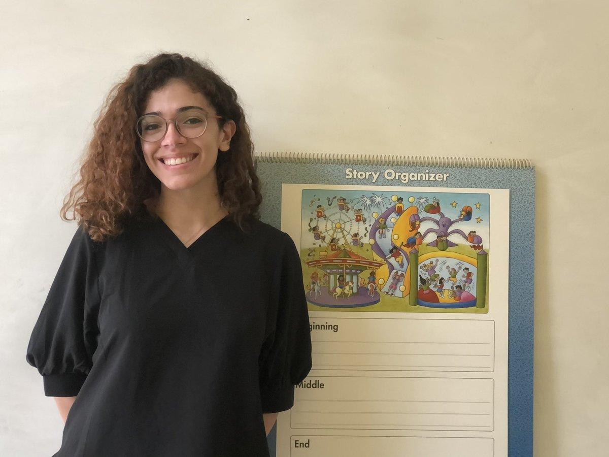 """¡Hola, amigos! 😃 ¿Están listos para """"Conoce a las Estrellas de Nuestro Equipo""""? Queremos que conozcas a nuestra profesora de inglés, Somaráliz Vázquez. ¿Quién mejor que la propia Somaráliz para hablarnos un poco de sí misma? 👩🏽💻🍪🧁🎨📚  #risingstars ⭐️ #csfpr https://t.co/vKOnwcLRmV"""