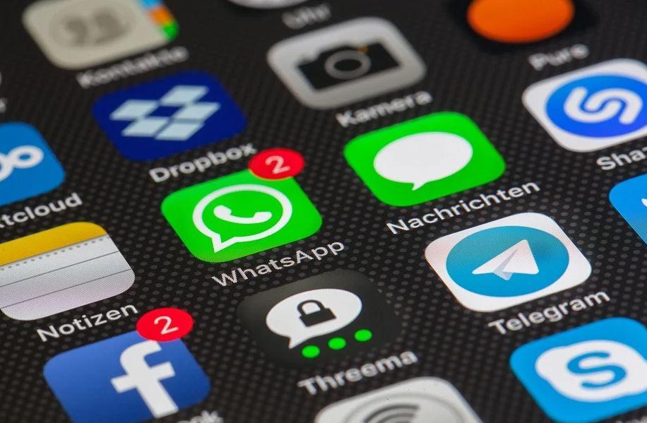 Amb l'inici escolar tornen a activar-se els grups #Whatsapp de pares i mares. Fes-ne un bon ús i no difonguis rumors. Si ens necessites truca al @112 #tornadaalescolasegura #StopRumors https://t.co/sFfniYrTLO