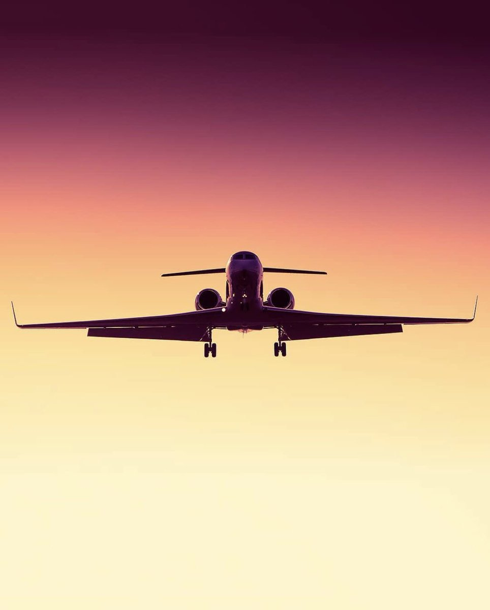 #BusinessJets @aeromanu ® G5 approach #Gulfstream #G550 . #instagramaviation #megaplane #BusinessAviation #FlyPrivate #PrivateJet  #CharterJet #BizJet #Flight #Luxury  #Travel #EmptyLeg #BusinessJet #CorporateJet #Aviation https://t.co/XotySH7M6f
