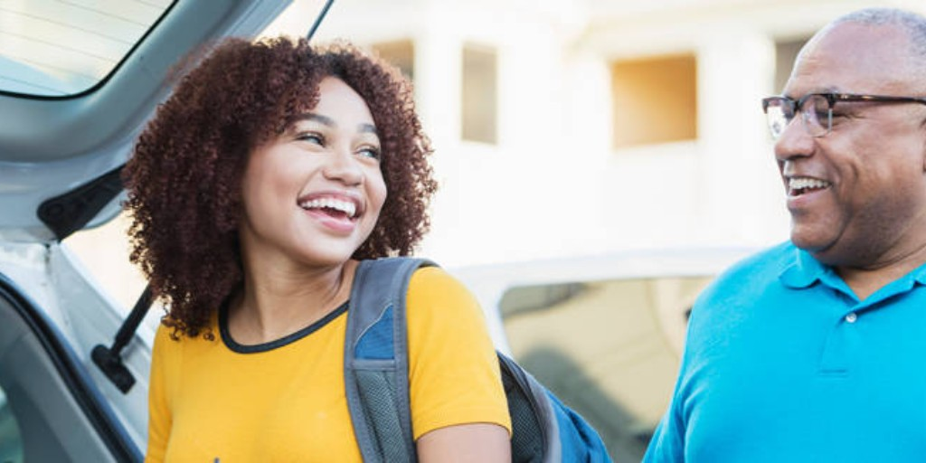 The college years can be a tricky transition not just for students, but for their parents as well.  What College Students Want Parents to Know: https://t.co/xMrYzekDvE https://t.co/ognBUG3yTE