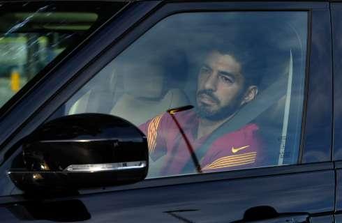 #Deportes   El uruguayo @LuisSuarez9 se va con carro y todo para fichar por Atlético de Madrid.  Conozca más de esta noticia aquí: https://t.co/MZYPKDJqqu https://t.co/ASVBSG9uTX