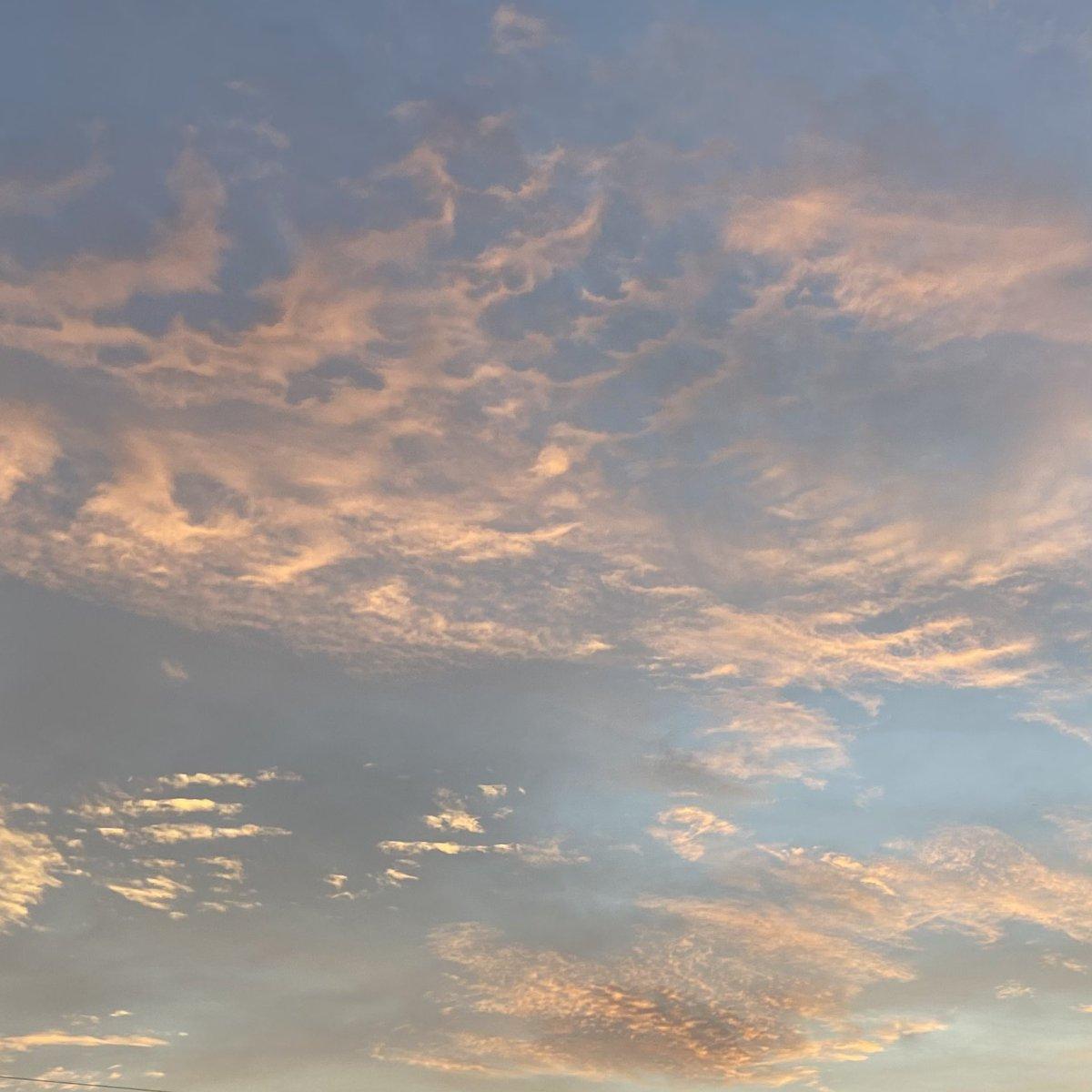 Good morning ka #skyphotography https://t.co/Fh09hIwKx5