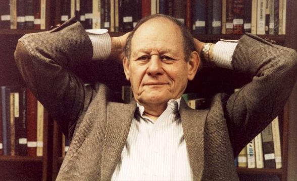 11/11 Que promover el pensamiento crítico es un acto político lo comenté con Paul Kurtz, fundador de CSICOP, el Center for Inquiry y la Unión Ética y Humanista. Pero nuesto diálogo (en 1992) era más bien teórico y en abstracto. Hoy ya no lo es, adquiere tintes de urgencia. https://t.co/HMa89A1lEA