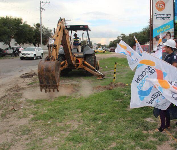 #Querétaro Lenta recuperación en el sector de la construcción  En menos de dos meses las empresas constructoras afiliadas a la CMIC Querétaro pasaron del 30 al 40% de ocupación laboral 👉 https://t.co/95V2R9qqvU https://t.co/ecV0kp8IfV