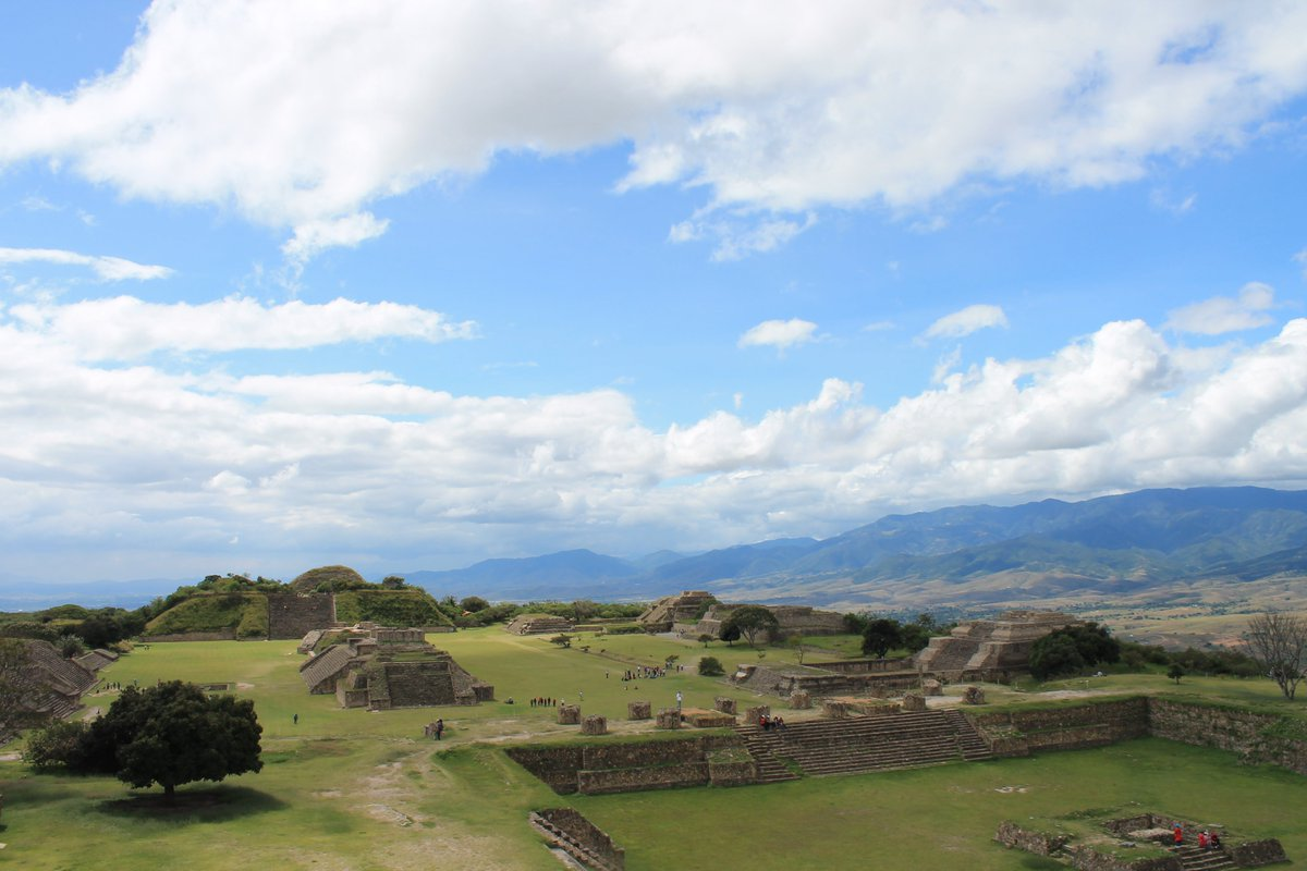 What was your most memorable breakfast? How about #huevosrancheros and a #margarita on honeymoon in #Oaxaca before visiting see the ruins at #MonteAlban? I especially loved seeing the #Observatorio. https://t.co/dUMWu4oosy https://t.co/3kJOSFS9oE