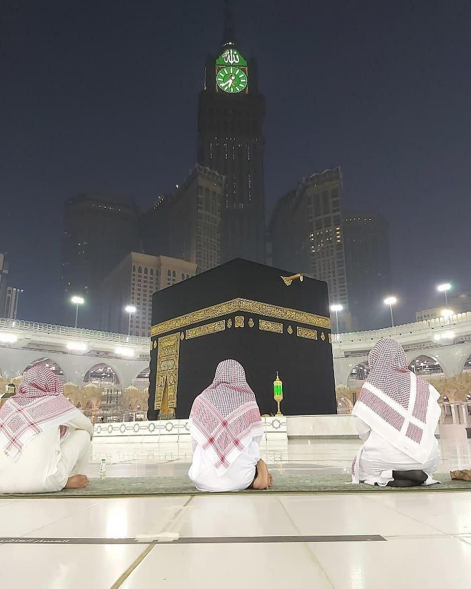 Amazing view of the Holy Ka'aba 🕋  #Makkah #مكة_المكرمة #MasjidAlHaram #المسجد_الحرام #Madinah #المدينة_المنورة #MasjidNabawi #المسجد_النبوي #Islam #اسلام #HajjJourney #رحلة_الحج #HajjJourney1 https://t.co/1c8y0UgMRd