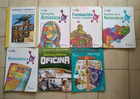 Libros de secundaria en buen estado en venta...#libros #secundaria #clases @traffiCARACAS https://t.co/MFOvdTZt2r