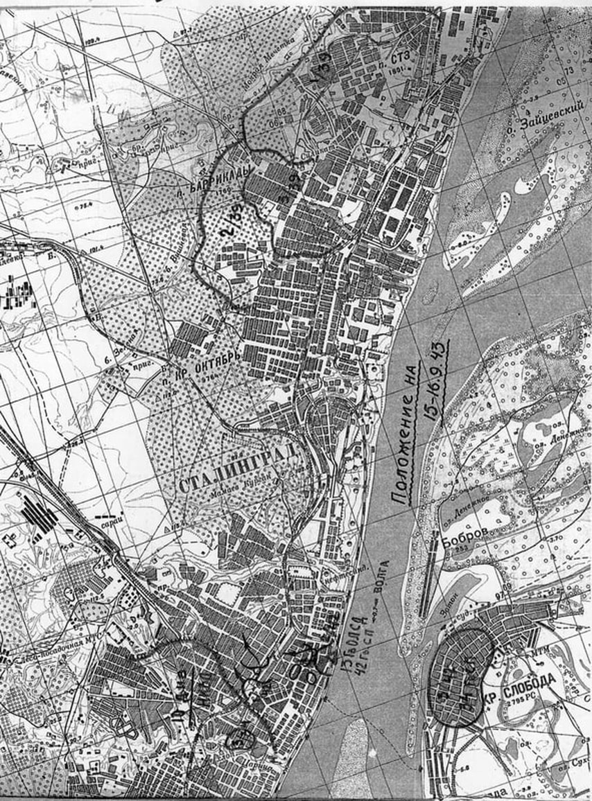 Stalingrad's Tsarita Gorge, cutting west from the river Volga, is now the only part of the city not choked with rubble from smasher buildings- turning it into a potential route to the river for the Germans, & a fierce battleground: https://t.co/SxGPX7cWLA