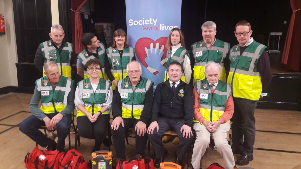 Pre-#COVID19, @nasmidwest was supported by 400+ Volunteer #CFR members from >20 @AmbulanceNAS affiliated groups. Also providing #OHCA response support were members of @GardaTraffic in Limerick & Clare. #ThankYou #NVW2020  @NasDirector @paulreiddublin @ianbrennan21 https://t.co/EaFbbmtDIu