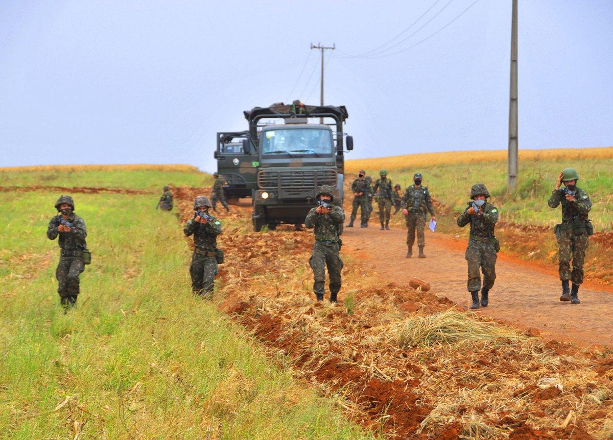 Operação Tormenta adestra pelotões do 33º Batalhão de Infantaria Mecanizado https://t.co/Krv4TgfHe9 #BraçoForte #MãoAmiga https://t.co/E9jsJibmZE