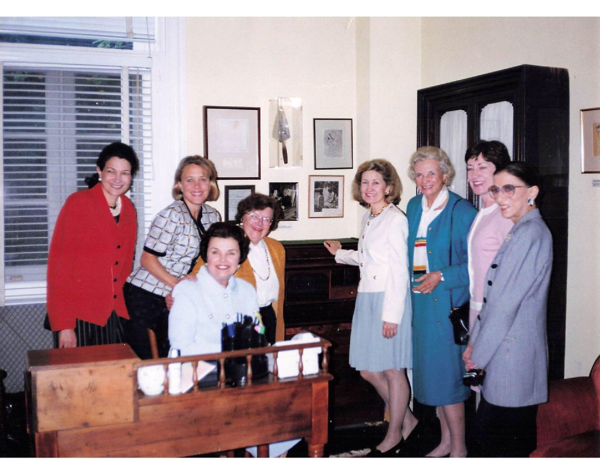 Supreme Court Justices Ruth Bader Ginsburg and Sandra Day O'Connor meet with a bipartisan group of female Senators. Date uncertain (maybe October 2005?)   Photo courtesy of @SenatorCollins after interview with @AishvaryaKavi. https://t.co/EIPhxIS6KZ https://t.co/SJiNFjLkF4