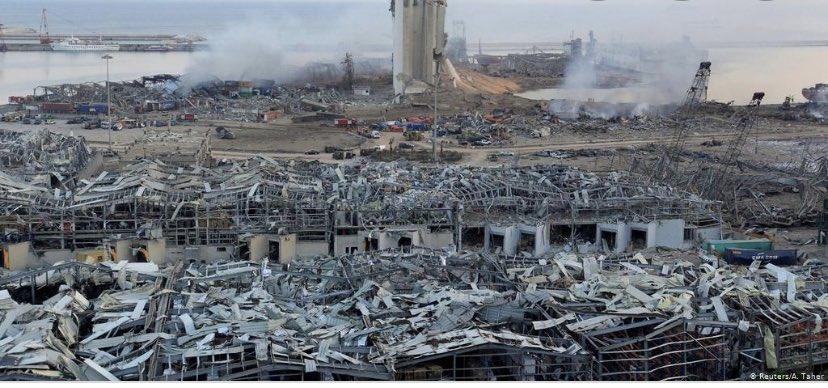أجمل الروائح كانت رائحة الأرض مع أولى زخات المطر.  هل رائحة الموت والدماء ستفوح من أرض لبنان هذا الشتاء؟ #الواقع_الأليم  #لبنان #مرفأ_بيروت https://t.co/98dWsKqfNa