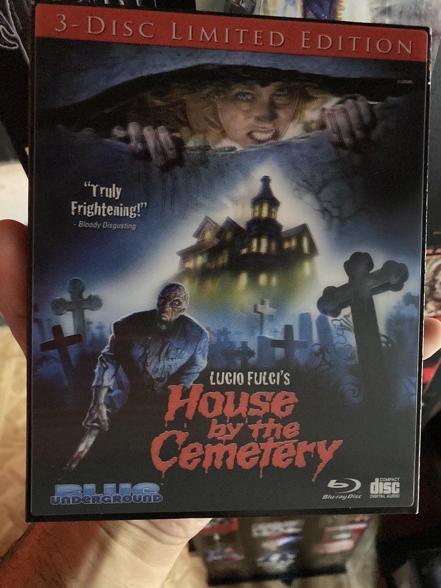 #NowPlaying #TheHouseByTheCemetery #ALucioFulciFilm #80s #Italian #Monster #Gore #Horror #BlueUnderground @blunderground https://t.co/bghwoOmeCb