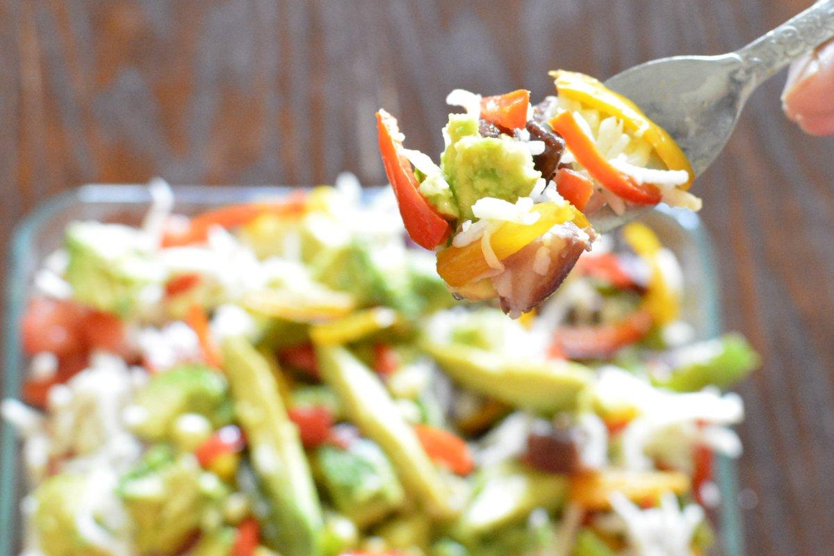Protein-Rich Veggie Bowl - Mexican Style 🍚 🥗  Full Recipe: https://t.co/ETBP8uCiSm via @YouTubeIndia   #healthy #healthylifestyle #HealthyFood #Food #Foodie  #nomnom #tasty #Veggiebowl #burritobowl #Bevegtoday #vegetarianRecipes #Vegetable https://t.co/24G3XdiTSM