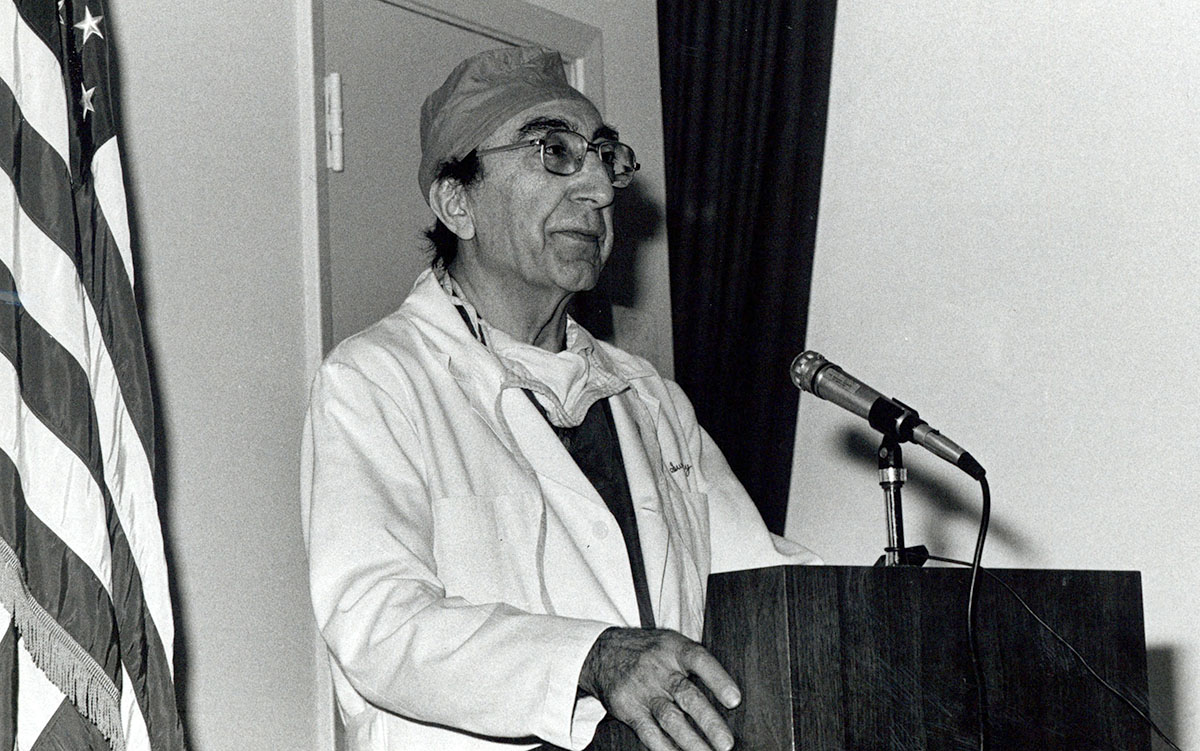September 25, this Friday, is the deadline for applications for the 2021 NLM Michael E. DeBakey Fellowship in the History of Medicine. You could be eligible. Apply now!  #histmed https://t.co/XluikqvgnF https://t.co/U64PSUsqYx