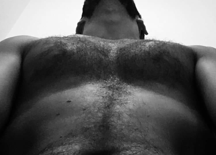 Looking up.  #4friends4boys #4friends #4boys #gay #guy #boy #gayguy #hot #man #hotguy #gym #homo #lgbt #chico #italian #italy #hoscos #fun #justforfun #italianboy #italianguy #blackandwhite #bw #portrait #muscle #toned #nude https://t.co/YlFFE3phZu