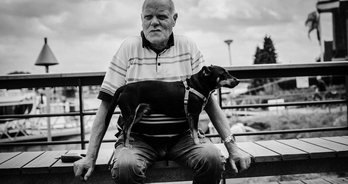 Guard  #blackandwhitephotography #streetphotography #deventer #Netherlands https://t.co/6vCqafgewj