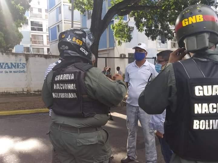 Más de un Mes Sin Agua y sin gas habitantes de Villa Brasil Parroquia Cachamay #Bolivar #PuertoOrdaz Hoy cerramos vía principal y los adecos del sector presente apoyando la protesta espontánea . Están cansados de tanta desidia . https://t.co/Hwibz3Ijep