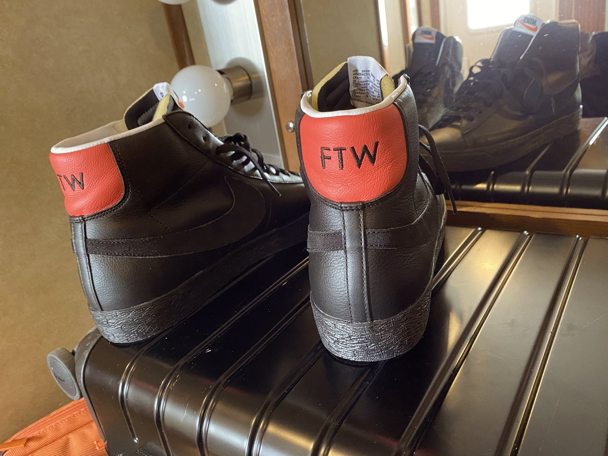 New kicks for tonight's LIVE festivities. #FTW #AEWDynamite @AEWrestling
