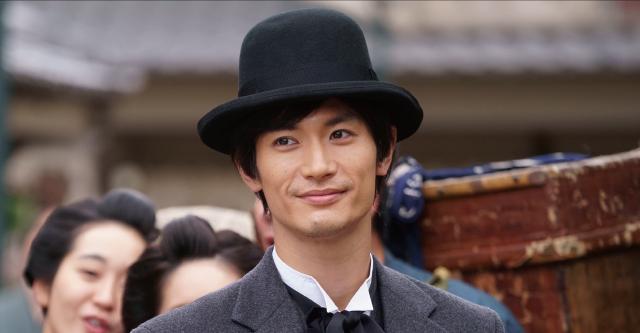 【発表】三浦春馬さん主演映画『天外者』 12月11日に公開決定主要キャストが初解禁となった。三浦春馬さんは、激動の幕末から明治初期、日本の未来のために駆け抜けた五代友厚役を演じた。