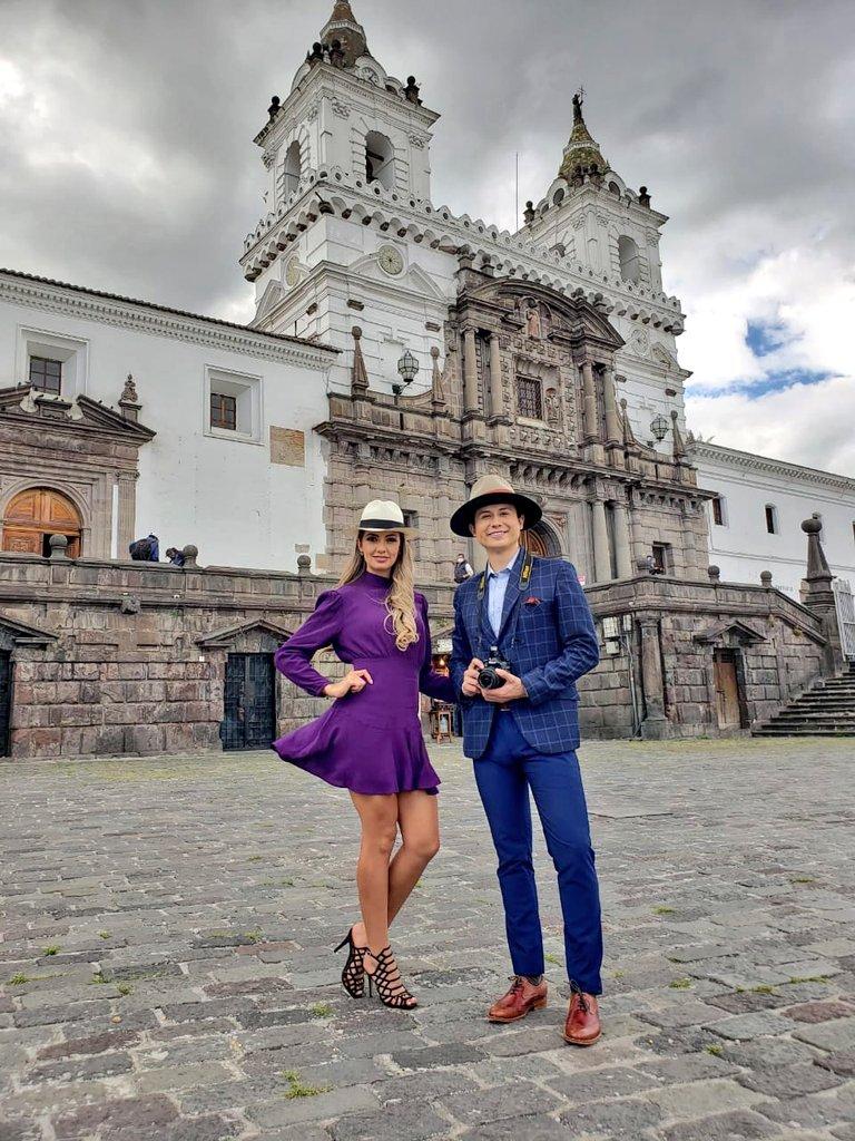 Se viene el comercial de #EnFamilia #Telesucesos desde lugares maravillosos del #CentroHistóricoDeQuito #PlazaSanFrancisco https://t.co/B01BWROmiD