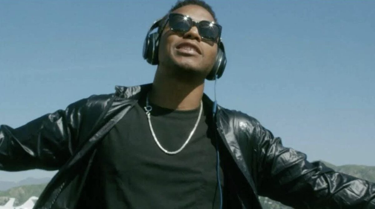 Lupe Fiasco drops 'BBQ Chicken Thighs' single following Kendrick Lamar debate   ⏩ 🎧 LISTEN: https://t.co/2amsB3QJ4A https://t.co/G877WS6zaV