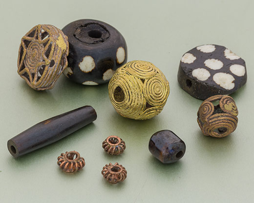 African Trade Beads have been used by villagers for thousands of years, and were even recognized as a form of currency in Europe and India from the late 1400's to the early 1900's. #tradebeads #beads #jewelrysupplies #woodbeads #brassbeads https://t.co/UneUxSJqHn