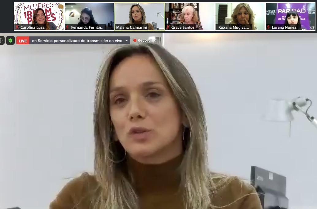 La fuerza de la militancia organizada para conseguir la Paridad de Géneros en Tucumán.  Gracias @MalenaMassa por tu apoyo.  #ParidadParaTucuman https://t.co/fEnx14G7o6