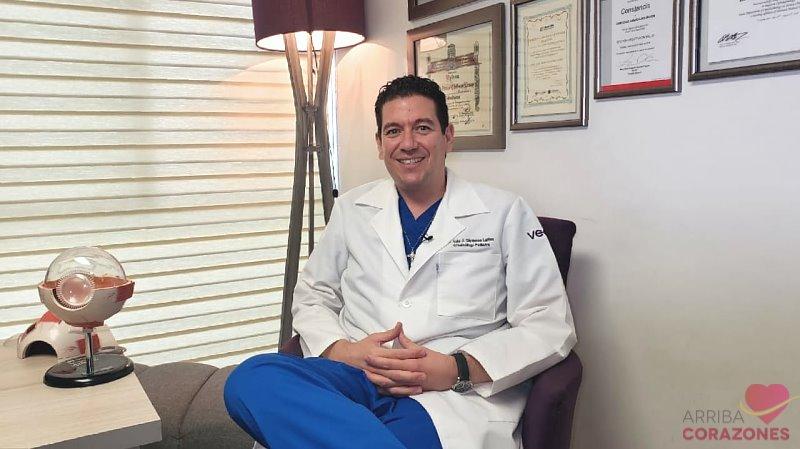 ¿Cuál es la #solución para los párpados #caídos? El #Cirujano #Oftalmólogo Luis Javier Cárdenas, nos platica sobre este #padecimiento, las condiciones en que se presenta en nuestros #ojos y su #tratamiento. Haz tu cita al 3336424333.   👉https://t.co/gvGeOMpJh1 https://t.co/GQj2ZITn7C