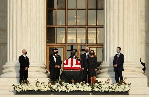 #Internacional   Durante tres días EE. UU. llevará a cabo los funerales de la jueza Ruth Bader Ginsburg.  Conozca más de esta noticia aquí: https://t.co/pi5AKnkm9Q https://t.co/Ld5Yij2fzC