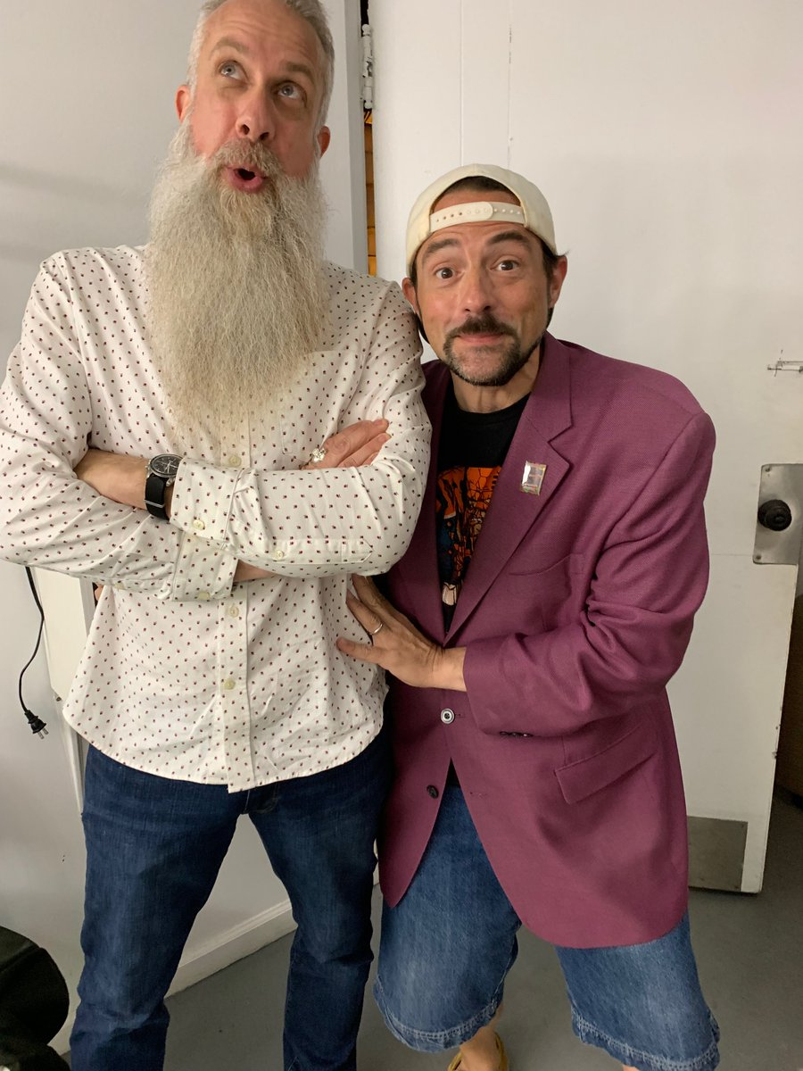 SModcast 436: Little Big Bry, Happy At Last with @ThatKevinSmith and special guest star @TellEmSteveDave is live....  https://t.co/lKk0ISLhFV  #SModcast #tesd https://t.co/bAG20965ls