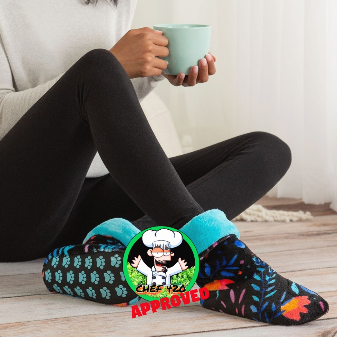 Super Cozy Paw Print Fleece Slipper Booties, Yes I said booties Feeds 35 Shelter Animals! Only $16.95 #GreaterGood #Chef420   https://t.co/cFGLbpsSlh https://t.co/hiXQE1VF7z