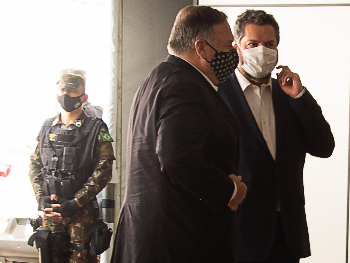 1ª Brigada de Infantaria de Selva apoia a segurança do Secretário de Estado dos Estados Unidos em visita a Boa Vista (RR) https://t.co/pTwaFGbrlp #BraçoForte #MãoAmiga https://t.co/bYXrkQVNiB