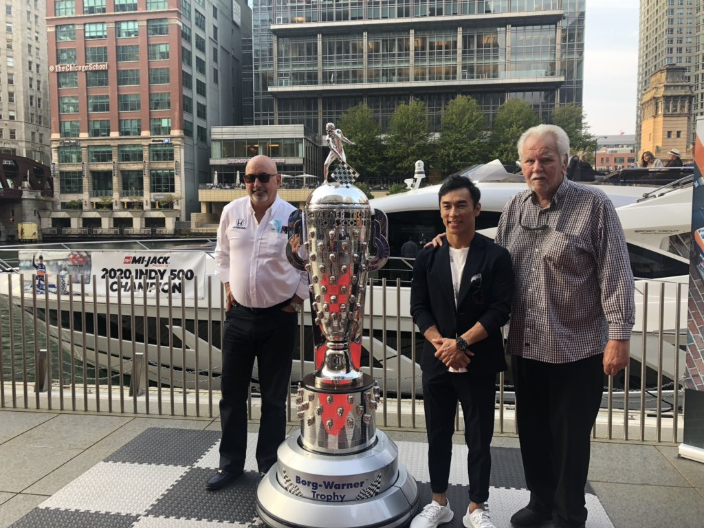 "The celebration continues!  📍 #Chicago Riverwalk 🏆 @BorgTrophy  🛳 ""Corporate Retreat""  🇯🇵 @TakumaSatoRacer  🏎 @Panasonic @_PeopleReady @HondaRacing_HPD   @indycar 