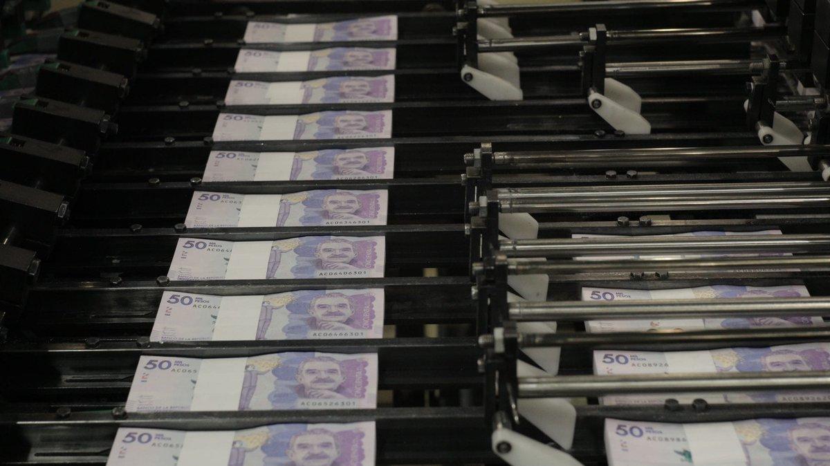 #ProyectosDeLey #PGN Las comisiones económicas conjuntas aprobaron en primer debate el Presupuesto General de la Nación (PGN) vigencia 2021 que tendrá un monto total de $313,9 billones, cifra que ya había sido aprobada en el Congreso a inicios de mes. https://t.co/KJ7MdjAQuM https://t.co/5wzJDv8Nqi