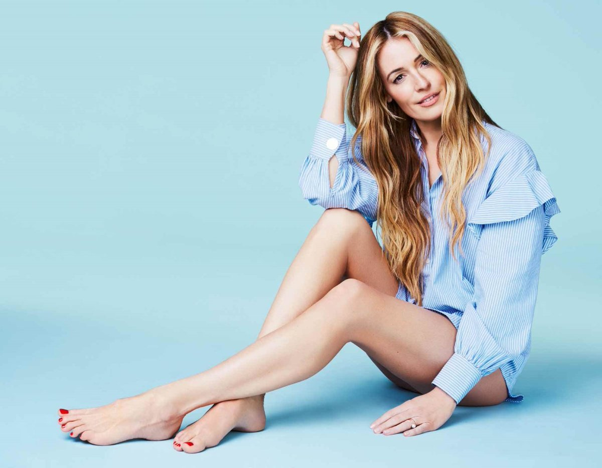 RT if you like Cat Deeley's Feet  #CatDeeley  #feet #toes #CelebrityFeet #Celebrity #CelebritySoles #CelebrityToes #Soles #FeetPics #FeetPicture https://t.co/Ie1Hg5IWUo https://t.co/pmFTltG0AB