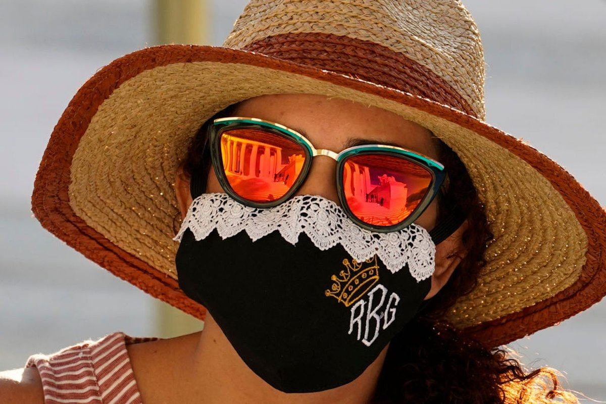 The RBG memorial masks are here https://t.co/FMr9KeirTL https://t.co/KdQFYwVlv7