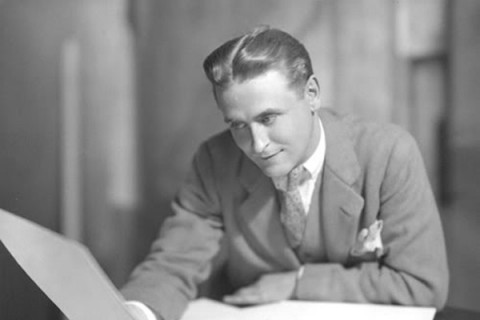 Born #onthisday1940 F Scott Fitzgerald American #Fiction #writer & #author of The Great Gatsby works illustrated flamboyance & excesses of the Jazz Age Achieved widespread popular & financial success during lifetime critical literary acclaim proved elusive until after his death https://t.co/iw857AYAcs