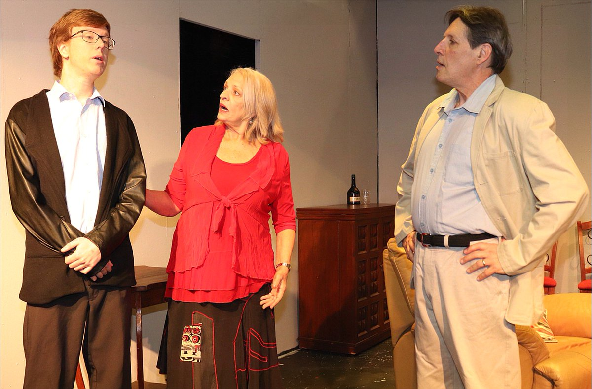 Back from tonight for another week of shows! Murder, blackmail & intrigue in THE SMALL HOURS @Stirling Theatre will keep you guessing from start to finish... book through Morris News on 9446 9120 or at https://t.co/UAid67wlLB  #perthnews #perth #wanews #justanotherdayinWA https://t.co/PWNlHdWOTi