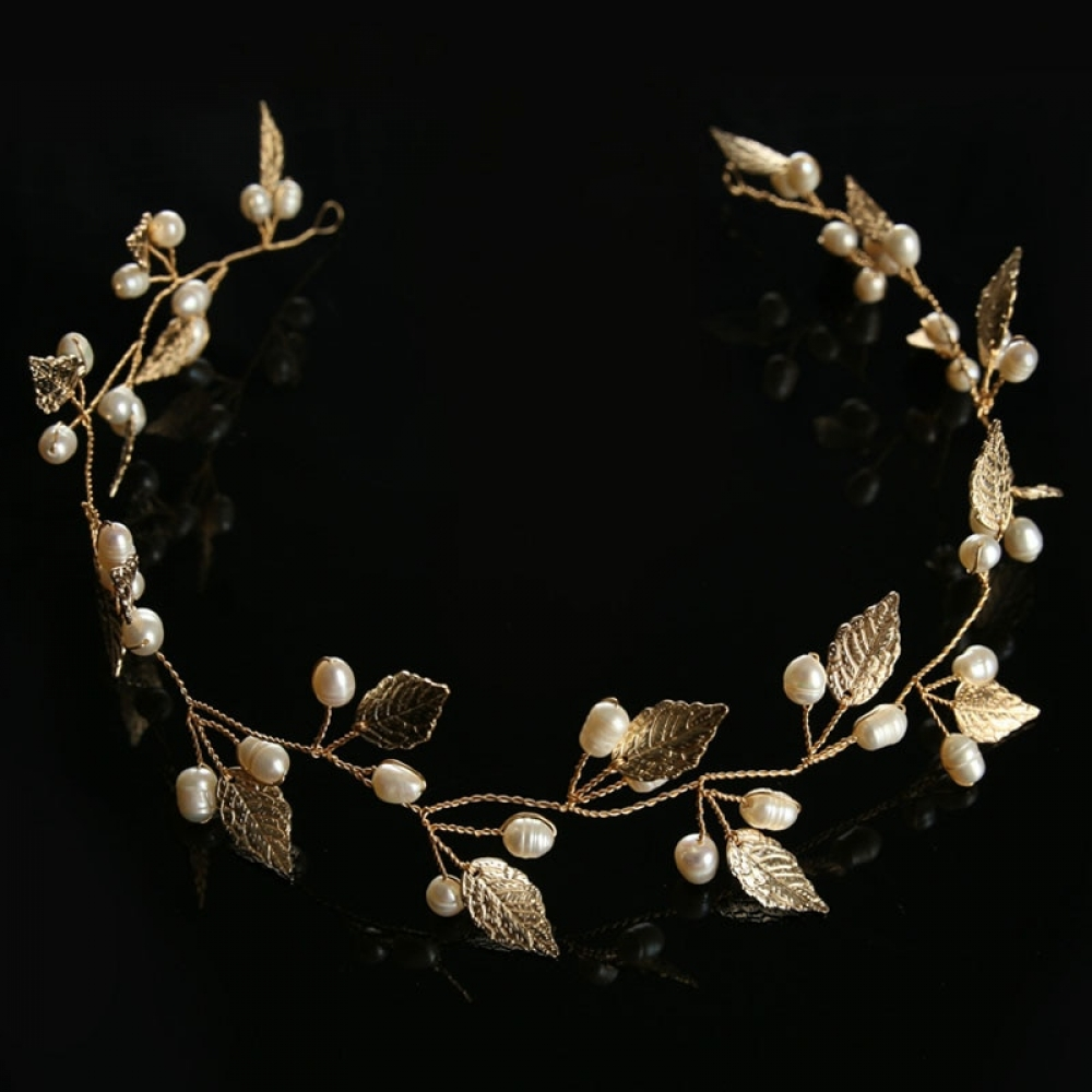 #fashion #style Crystal Leaf Bridal Tiara https://t.co/xapTizC47m