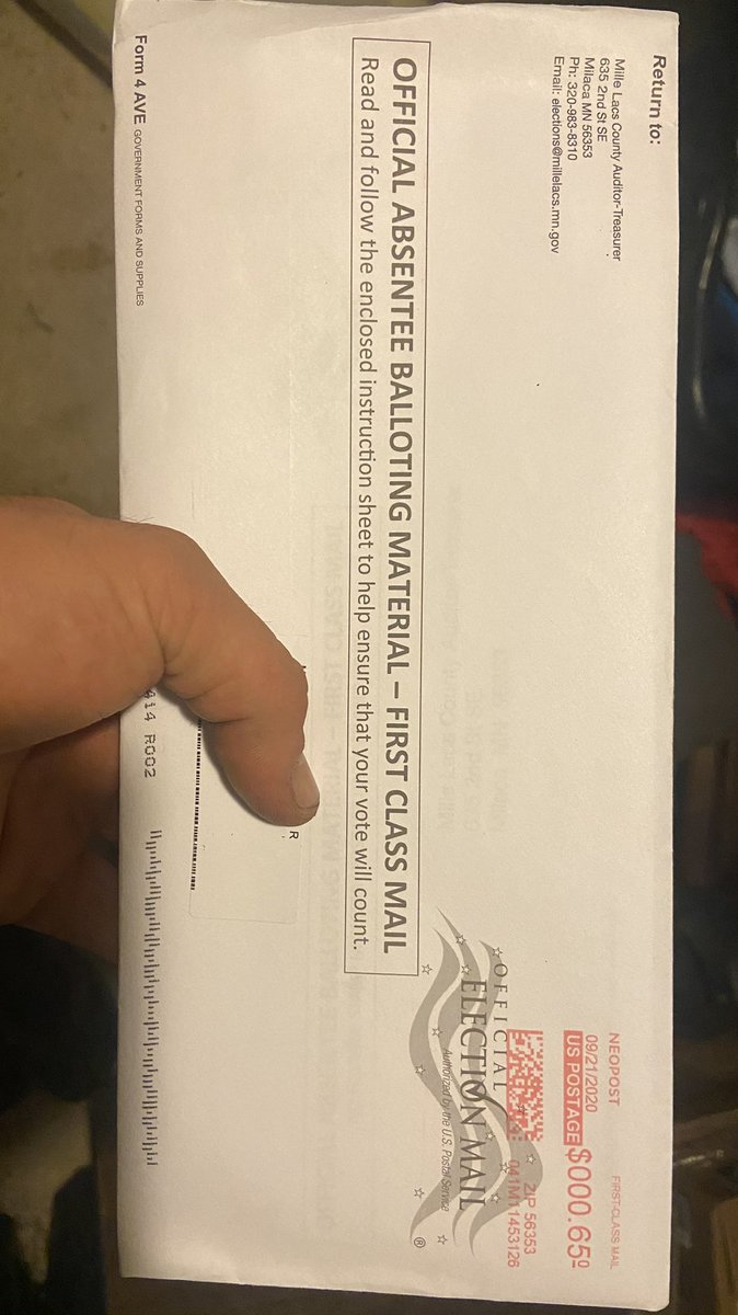 Whelp it's official, time to vote for the first time (please don't judge). Absentee ballot just arrived. https://t.co/XIQ13nTZjs