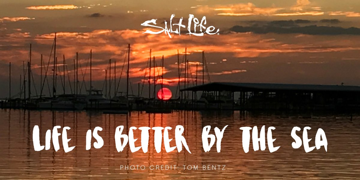 Life is Better by the Sea 🌊   #Sunset #LiveTheSaltLife https://t.co/vi4i1rki9e