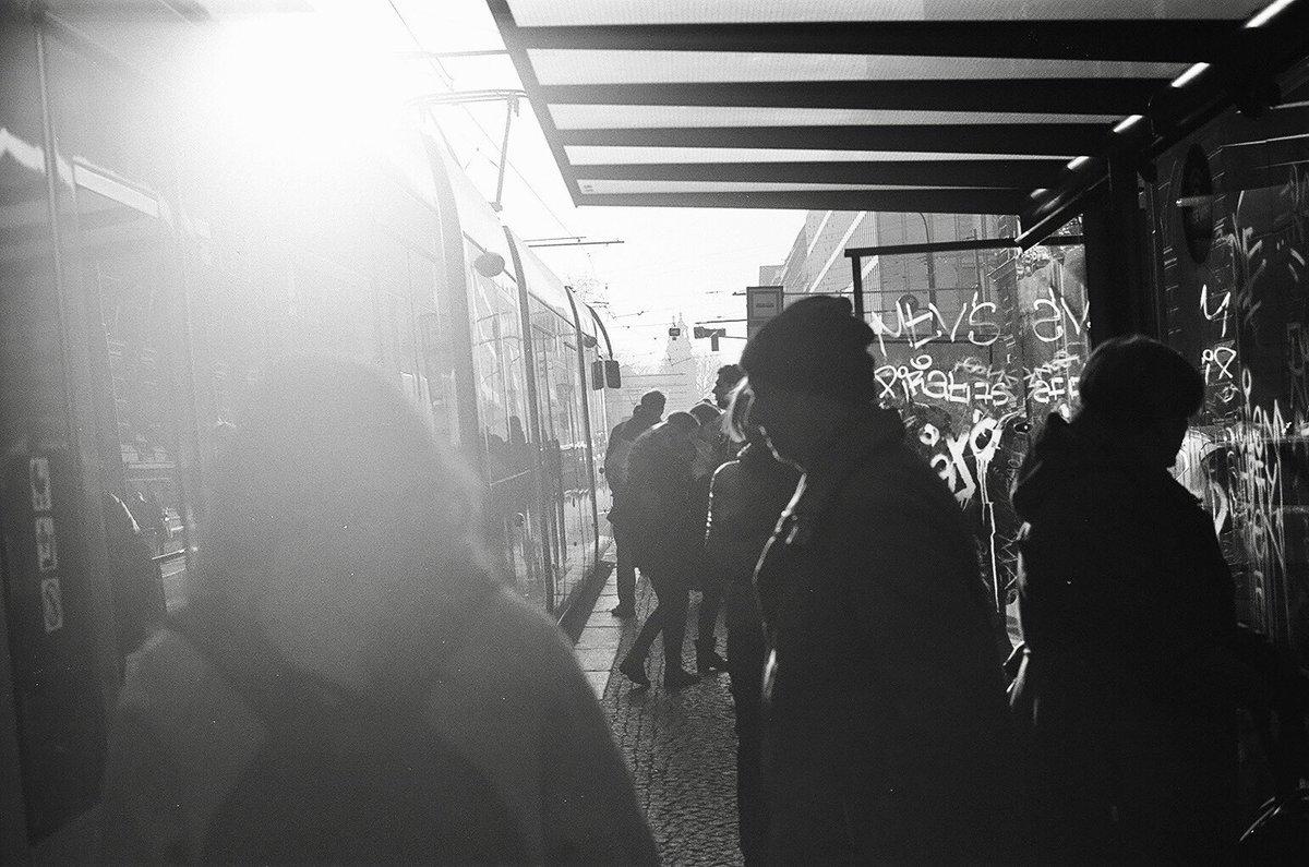 プラハの路面電車は、乗り降りの時に切符のチェックがありませんが、検査員による抜き打ち検査があります。 この時、チケットをもっていなかったり、開始時刻を刻印していない場合は高額の罰金となります。 #プラハ #路面電車 #モノクローム #フィルム #Prague #tram #monochrome #film #planar50mm https://t.co/2tKrnUDvKX