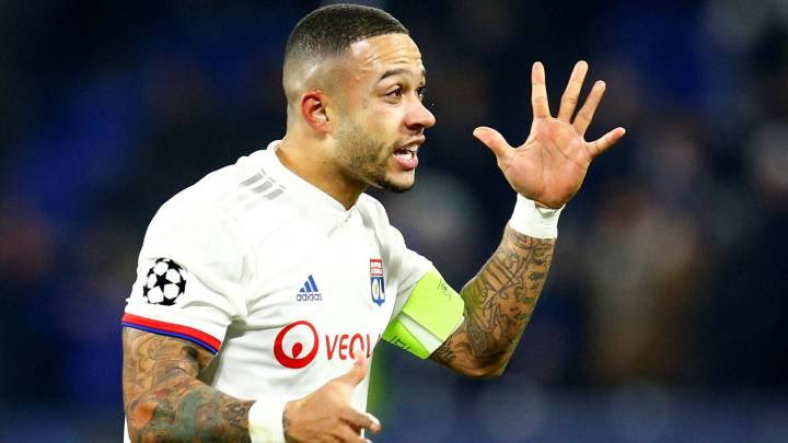 (🌝) Barça will sign a forward before the market closes.  Memphis Depay 🇳🇱, on fire in Lyon waiting for a call from the Barça club, the closest option. [AS] #FCB #Depay #OL https://t.co/DRFkNcmrbn