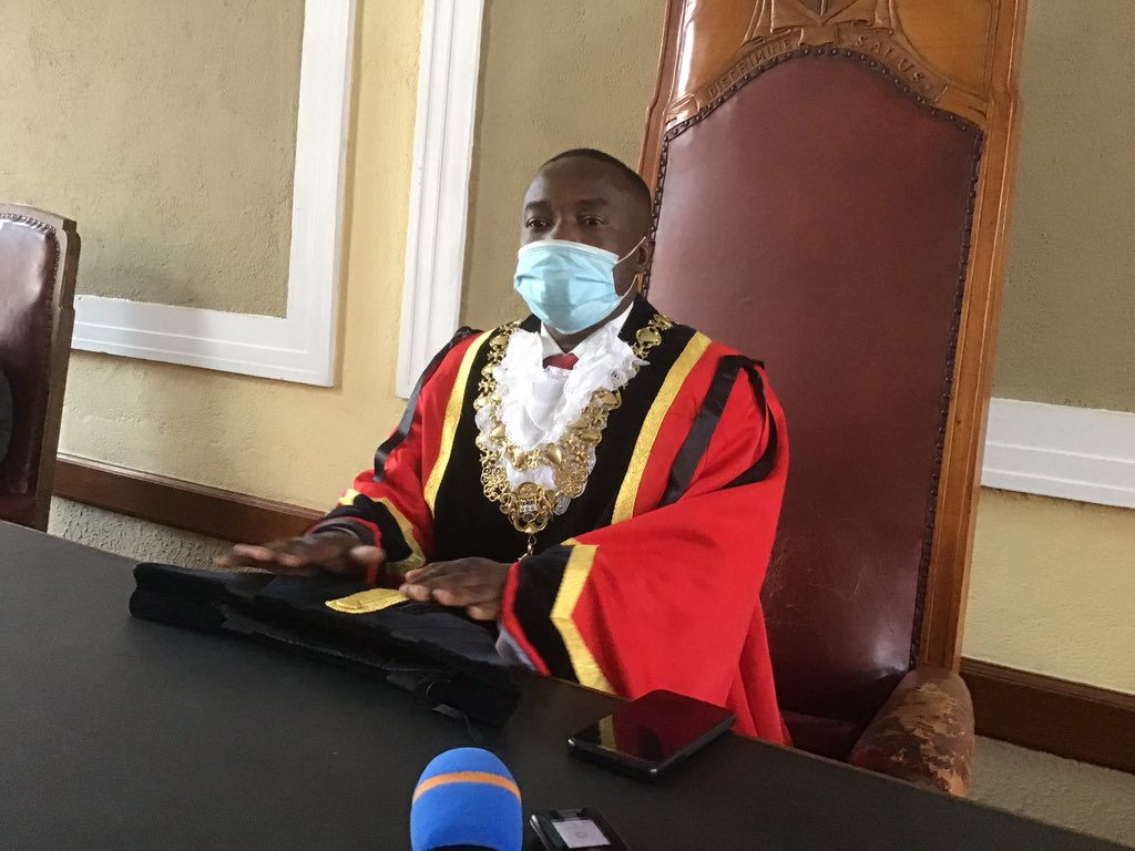 #BREAKING Local government minister July Moyo has been interdicted by the High Court from enforcing the purported recalls of Harare mayor Jacob Mafume, Bulawayo councillor Arnold Batirayi and Mutare councillor Simon Chabuka by Benjamin Rukanda who claims to be SG of the PDP https://t.co/m9b8u47T44