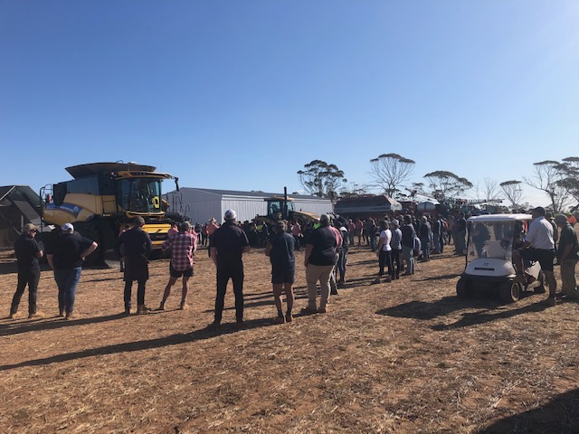 Another farm clearing sale, another family exits farming, regional communities shrinking 👨🌾  #GBA #grainbrokersaustralia #letsgrowtogether #agriculture #agribusiness #ruralbusiness #farming #weareausfarmers  #farm #clearingsale #regionalcommunity #sale #regional #community https://t.co/GEgY07AhBR