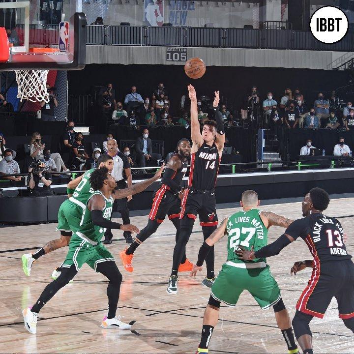 نـهــائـي الشــرق (المباراة الرابعة) ميامي هيت يفوز على بوسطن سيلتكس بفارق 3 نقاط على نتيجة 112-109 🔥🍀  #Heat 3 - 1 #Celtics https://t.co/LdUMeY0wlD